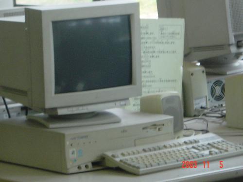 教室用的電腦設備